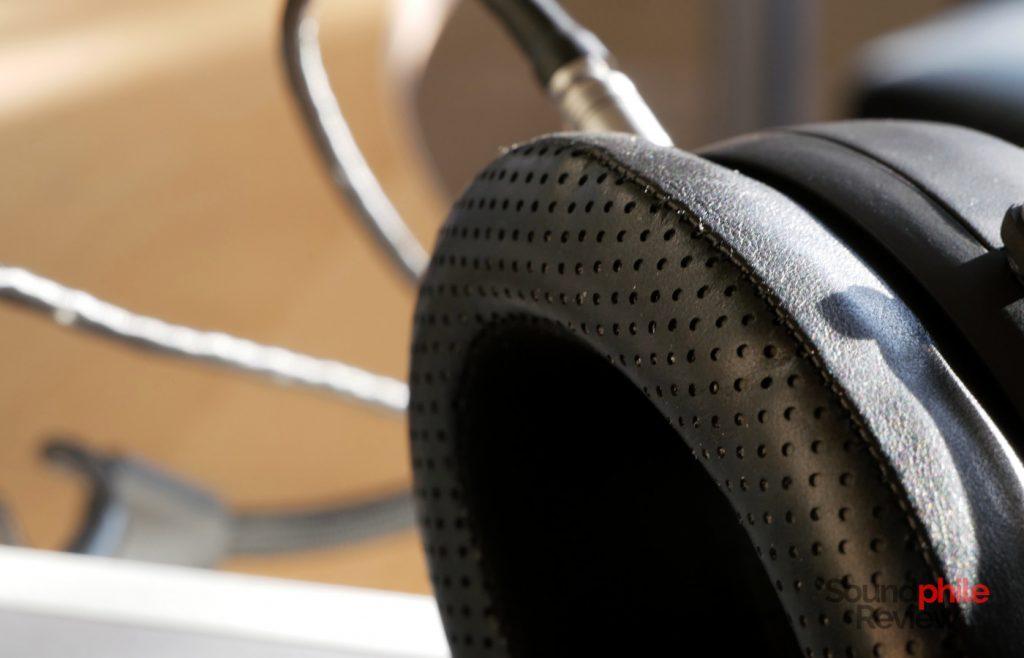 Warwick Acoustics APERIO headphones earpads